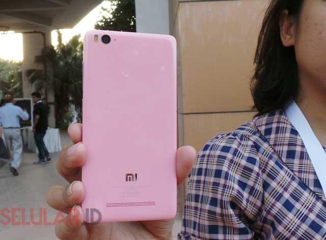 Xiaomi Mi 4i varian warna pink