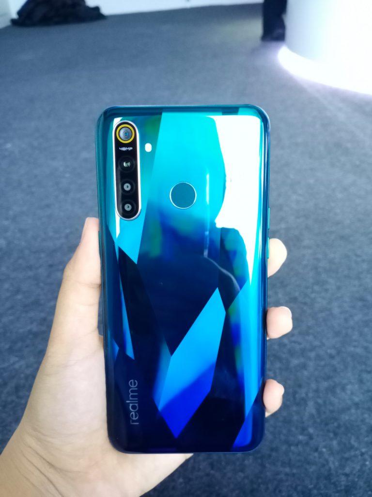 Realme 5 Pro, Smartphone dengan 4 kamera harga Rp3 jutaan